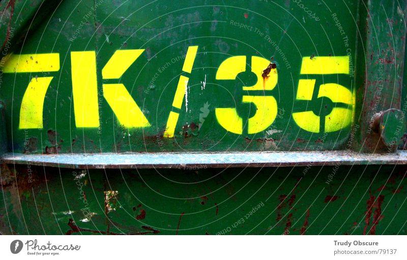 frogtoise alt Farbe dunkel Arbeit & Erwerbstätigkeit braun Metall Kunst dreckig Hintergrundbild Schilder & Markierungen Schriftzeichen Bodenbelag Baustelle