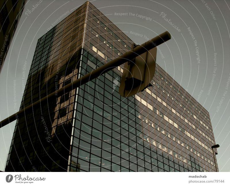 PRÄCHTIG VON HINTEN Himmel Stadt blau Wolken Haus Fenster Leben Architektur Beleuchtung Gebäude Freiheit fliegen Lampe oben Arbeit & Erwerbstätigkeit Wohnung