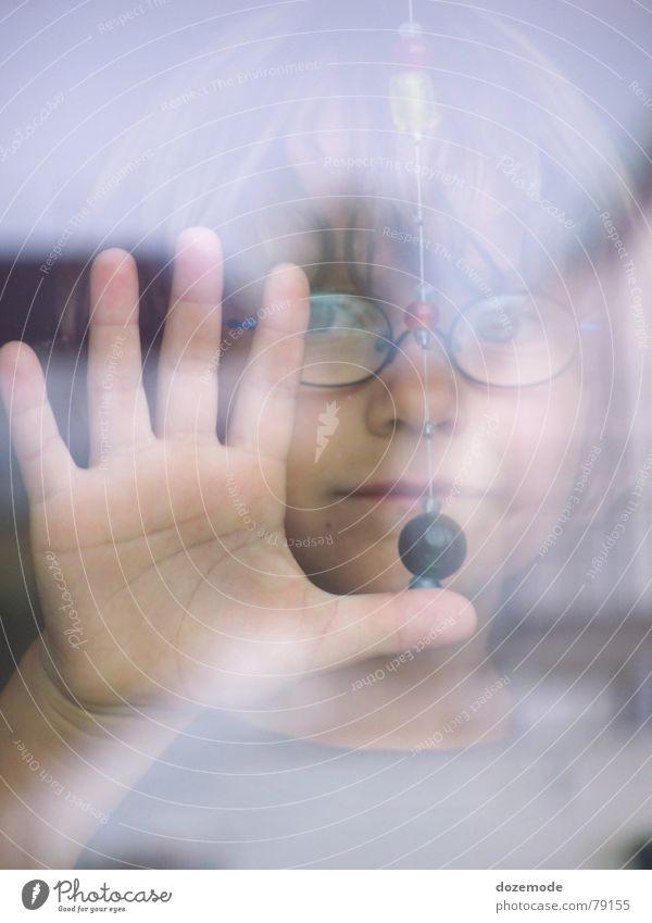 Elias Kind Gesicht Traurigkeit Glas Trauer Sehnsucht Gruß