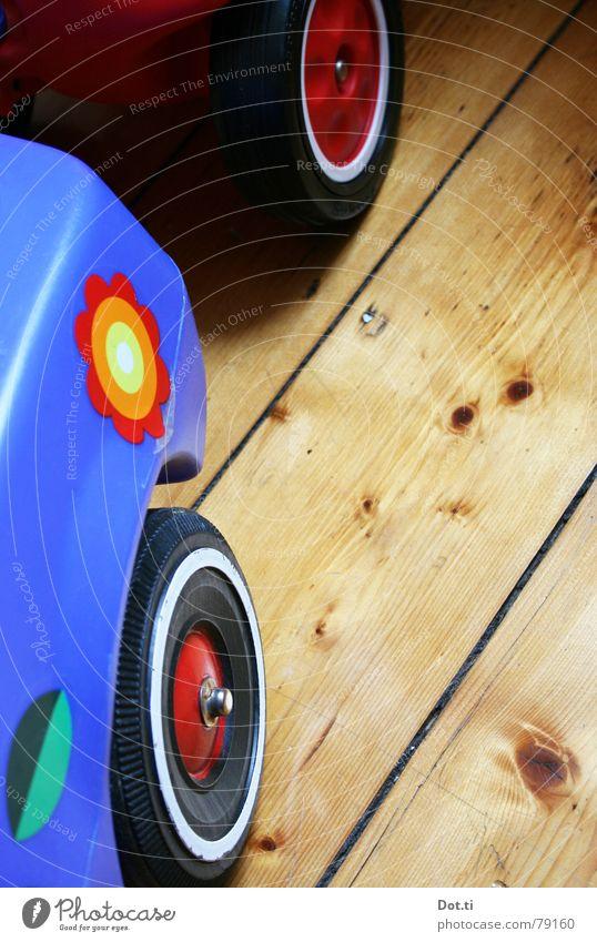 Schwertransport I blau Blume Freude Spielen PKW Kindheit fahren Rasen Güterverkehr & Logistik Kunststoff Spielzeug Statue Rad Etikett Rolle Holzfußboden