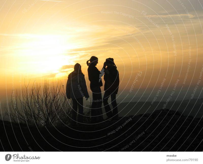 Three Girls Mensch Himmel Sonne Wolken Farbe dunkel Herbst Landschaft hell