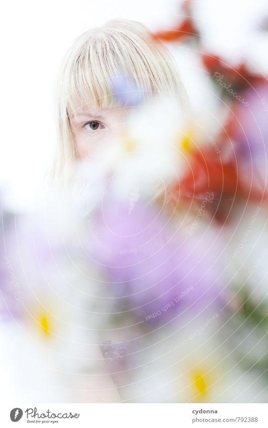 Im Blick schön Allergie Leben Wohlgefühl Sinnesorgane Erholung ruhig Mensch Junge Frau Jugendliche Auge 18-30 Jahre Erwachsene Natur Frühling Blume einzigartig