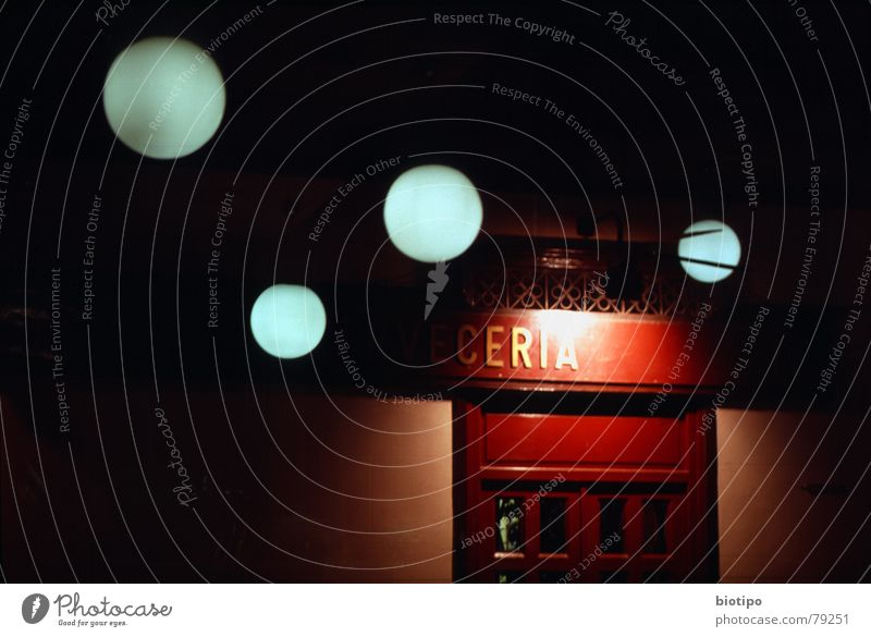 light reflexes Madrid Bar Club lights circle spain cerveceria traditional door red night dreams abstract color long exposure Außenaufnahme