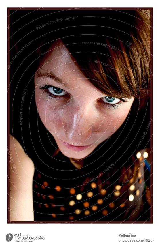 autumn portrait Frau Gesicht Herbst Wärme braun gold Physik Sommersprossen