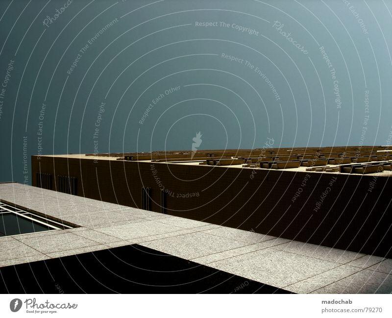 FLACHGELEGT Himmel Stadt blau Wolken Haus Fenster Leben Architektur Gebäude Freiheit fliegen oben Arbeit & Erwerbstätigkeit Wohnung Design Wetter