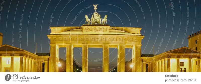 Primary Colors Panorama (Aussicht) Sonnenuntergang Brandenburger Tor Nachtaufnahme historisch Dämmerung Berlin Mitte groß Panorama (Bildformat)