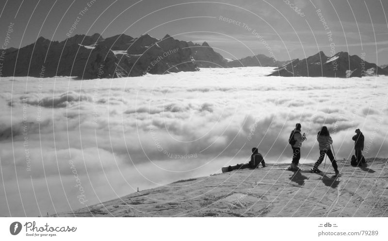 .:: über den wolken ::. Mensch Himmel Sonne Winter Ferien & Urlaub & Reisen Wolken kalt Schnee Berge u. Gebirge Landschaft Freundschaft Skifahren Schweiz