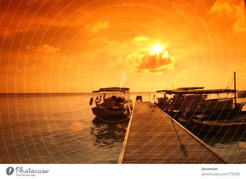 sunset v² Meer Sonnenuntergang Wasserfahrzeug Aussicht Licht Physik heiß Steg Strand Küste Insel Wärme
