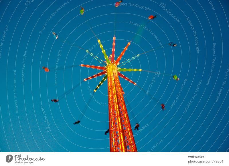 Karussell Licht drehen Jahrmarkt Himmel Langzeitbelichtung Freude Oktoberfest Deutschland oben fliegen orange hoch high light fly sky fun
