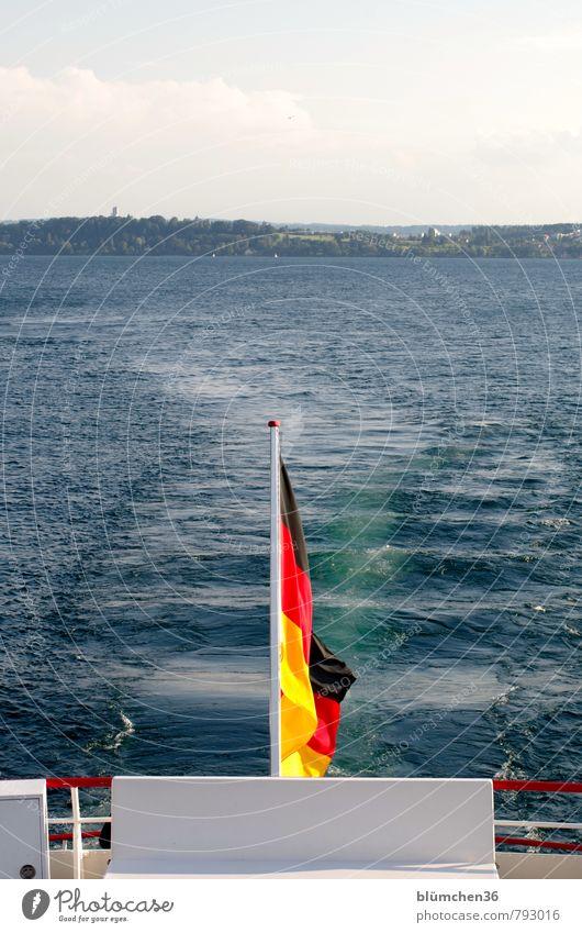Schland O Schland Verkehrsmittel Personenverkehr Schifffahrt Bootsfahrt Passagierschiff An Bord fahren Schwimmen & Baden maritim gold rot schwarz Fahne