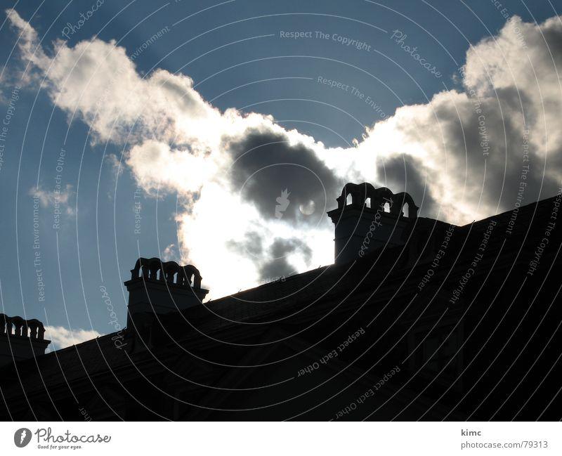 sonnenkraft Wolken Sommer Haus Gebäude Schutzdach Himmel Licht Schatten Sonne blau Regen sky Natur