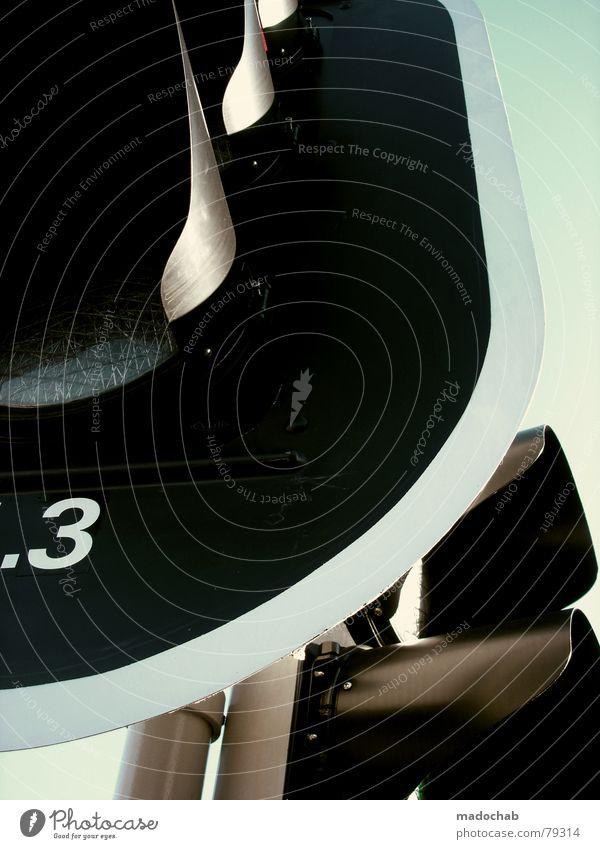 TEIL 2 | FERTIG! Verkehrszeichen Verkehrsteilnehmer Ampel Hinweis Dingsbums Autofahrer Empfehlung Dinge Zusteller stoppen Warnung Fußgänger schwarz Himmel