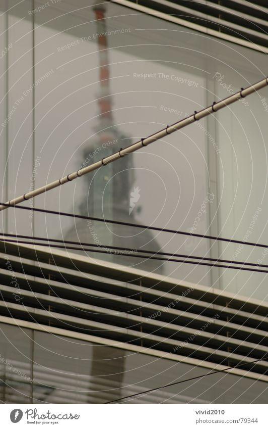 Spiegelung Berlin Linie Glas Denkmal Wahrzeichen Berliner Fernsehturm Überleitung