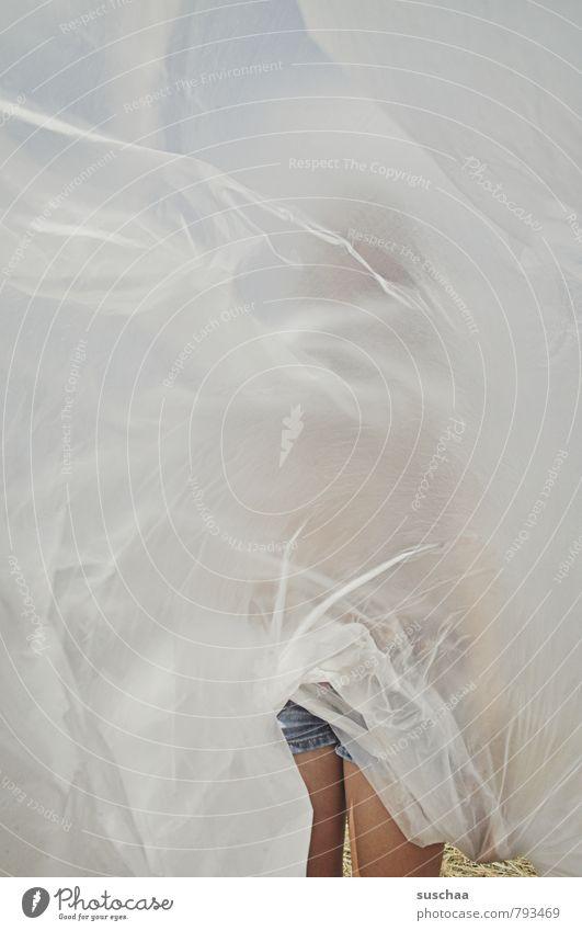 versteckt Mensch Körper Haut Kunststoff Falte verpackt verdeckt