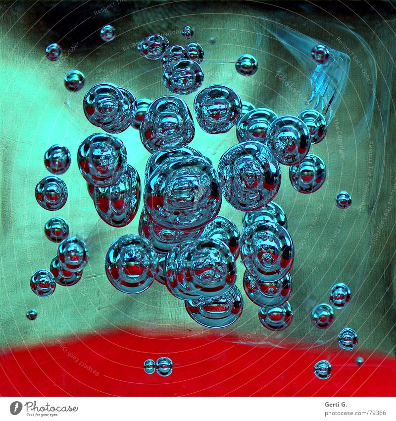 blasen Murmel geschmackvoll Luft Lust Blubbern sprudelnd Sauerstoff rot grün frisch Leben Luftblase Reflexion & Spiegelung Quadrat eckig Wissenschaften menthol