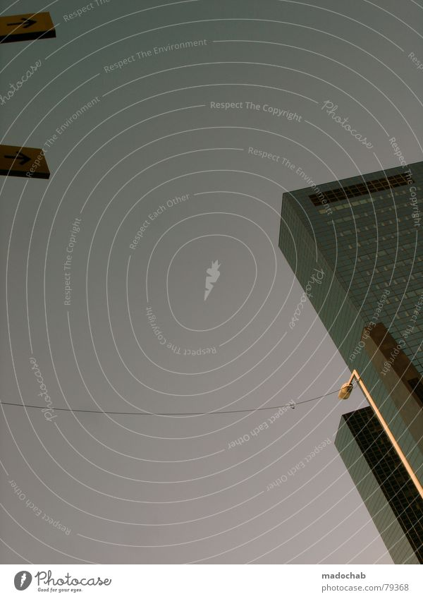 RHYTHMUS Himmel Stadt blau Wolken Haus Fenster Leben Architektur Gebäude Freiheit fliegen oben Arbeit & Erwerbstätigkeit Wohnung Design Wetter