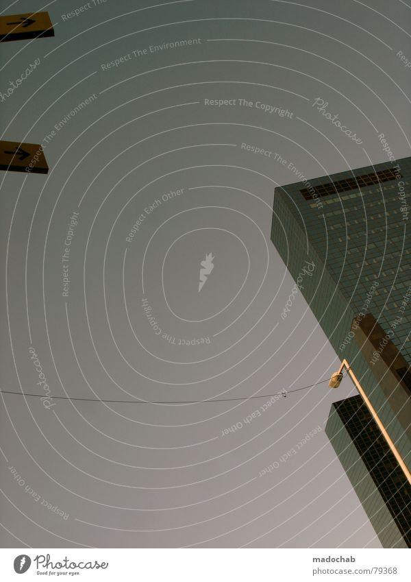RHYTHMUS Himmel Wolken schlechtes Wetter himmlisch Götter Unendlichkeit Haus Hochhaus Gebäude Material Fenster live Block Beton Etage Vermieter Mieter trist