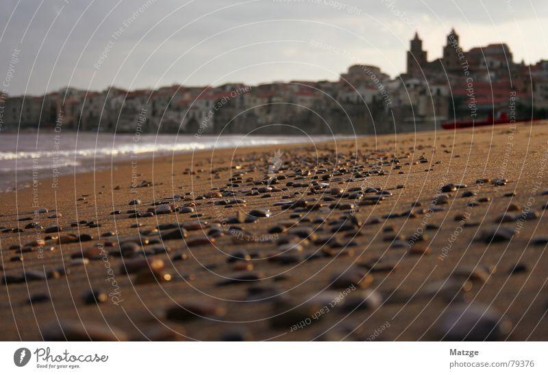 Cefalu Wasser Meer Stadt Strand Ferien & Urlaub & Reisen Herbst Stein Sand Wellen Küste Italien Altstadt Sizilien Badestelle Cefalú