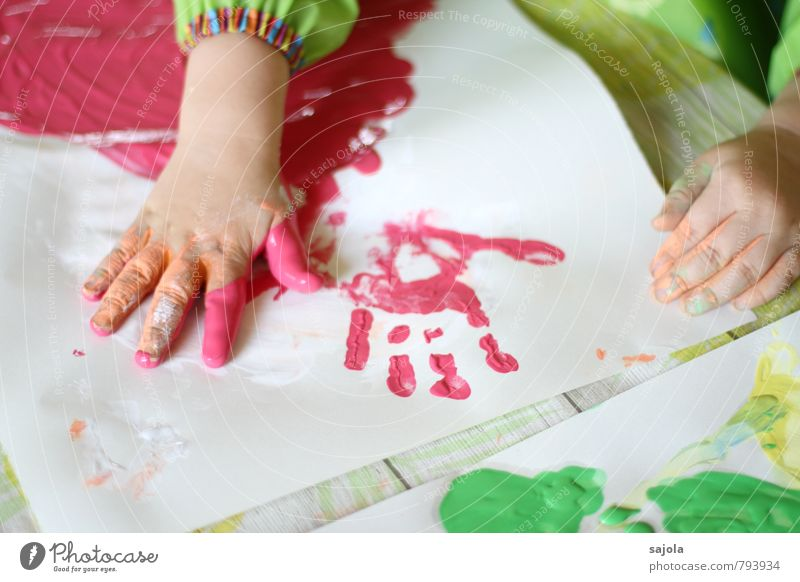 kleckserei - handabdruck Mensch androgyn Kind Kleinkind Kindheit Hand 1 1-3 Jahre Künstler Maler rot Kreativität Freude zeichnen Fingerfarbe Handabdruck