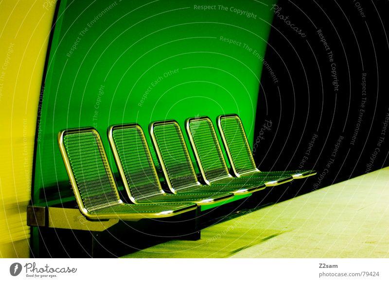 underground seats grün schwarz gelb Farbe Stil Perspektive modern rund Bank Stuhl 5 U-Bahn Sitzgelegenheit London Underground Öffentlicher Personennahverkehr