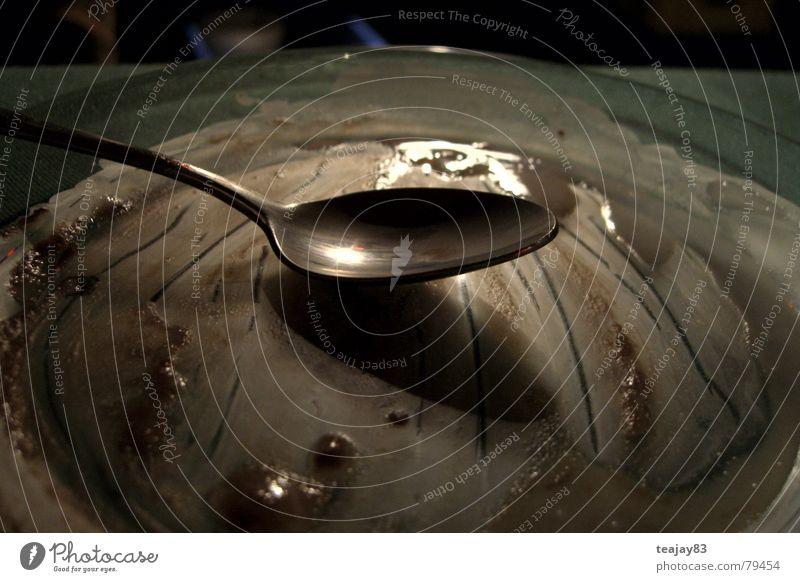 Das war ein Pudding - schleck! süß Schokolade Milcherzeugnisse Teller rund Löffel Edelstahl leer hohl vergangen fertig satt lecker genießen Appetit & Hunger