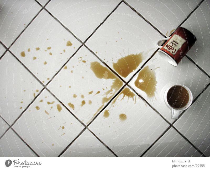 ... i don't like monday Reinigen Pfütze Unfall fallen nass braun Tasse umgefallen Bodenbelag Physik Fleck Café Montagmorgen und die woche nimmt kein ende Kaffee