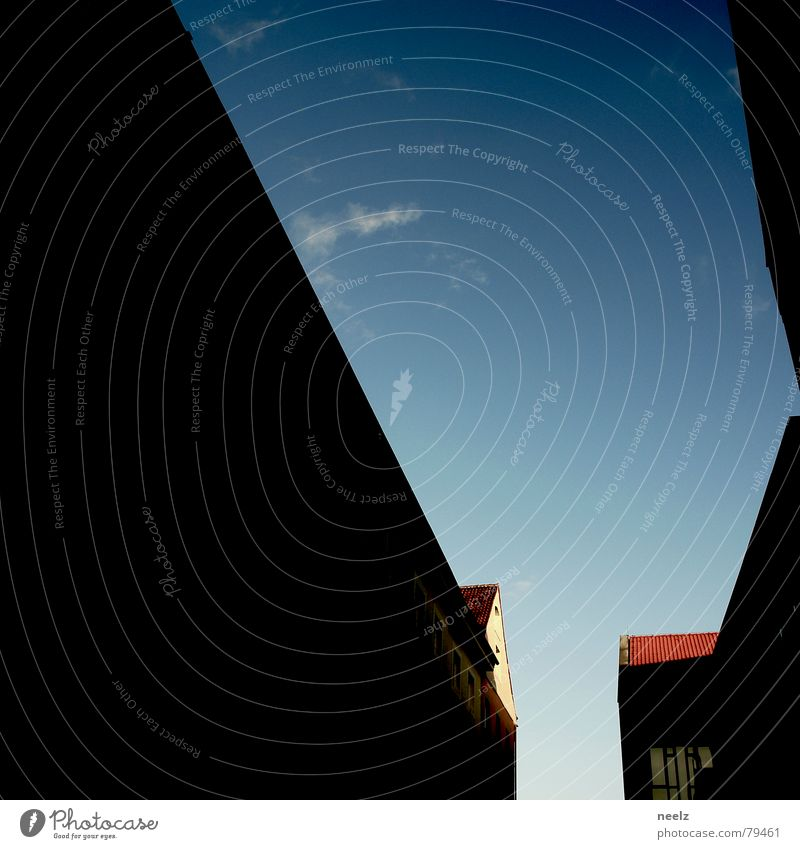 | Willkommen in der Welt des Schmerzes | Ecke Strukturen & Formen schwarz rot dunkel Konzentration Linie blau orange Spitze hell