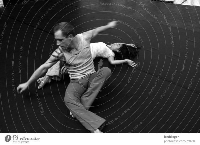 ego Gefühle Bewegung Tanzen Gesichtsausdruck Gebet atmen Wien Performance Rhythmus Callcenter Tanzschule Körperbewusstsein Tanztheater Körperbeherrschung Ave Maria