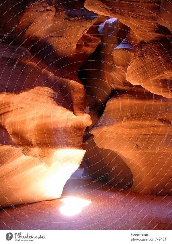 Antelope Canyon I rot Stein Sand Felsen Erde USA Schlucht Mineralien Lichtstrahl Page Sandstein Arizona Antelope Canyon