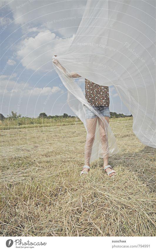 Verwicklungsprozess Mensch Kind Natur Sommer Landschaft Mädchen Umwelt hell Beine Horizont Feld Körper wild Kindheit Haut Klima