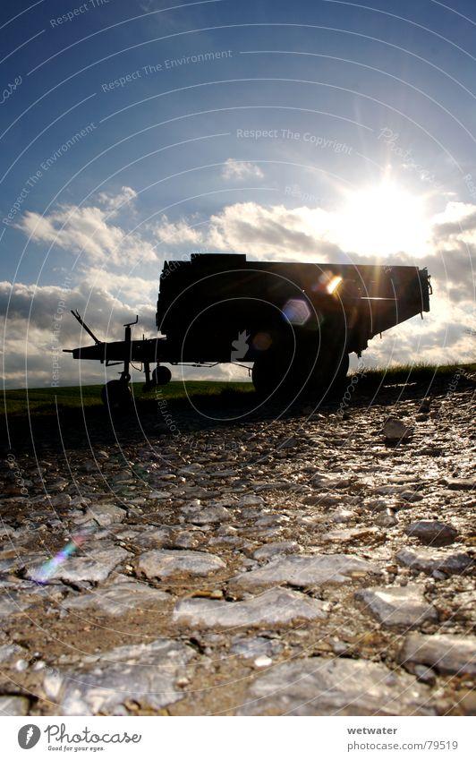 Anhänger im Gegenlicht Himmel Sonne Winter Stein Feld Industrie Fußweg Blendenfleck Gefolgsleute Lichtfleck