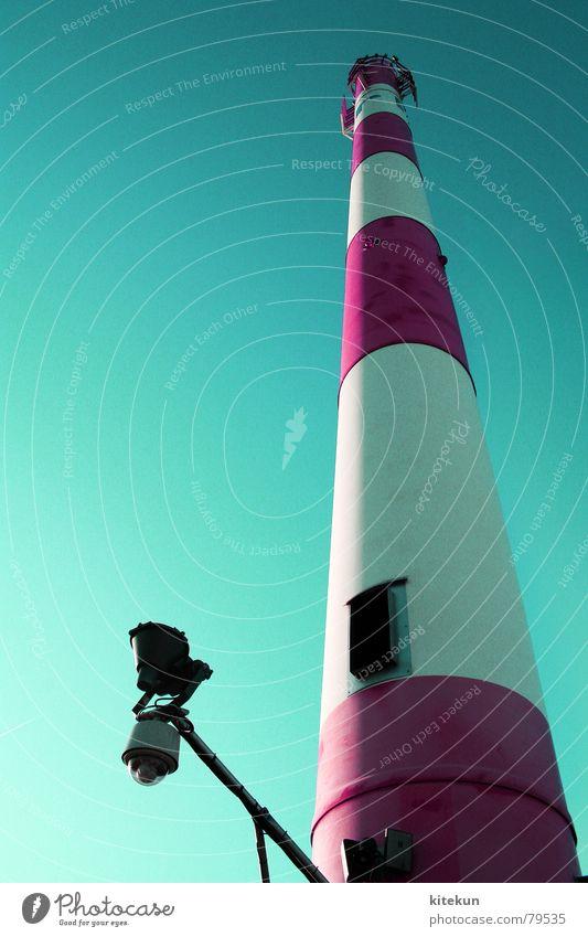 in den himmel fallen Himmel blau rot Sonne Sommer oben Lampe hell rosa hoch modern Hochhaus Turm Streifen Klarheit Schönes Wetter