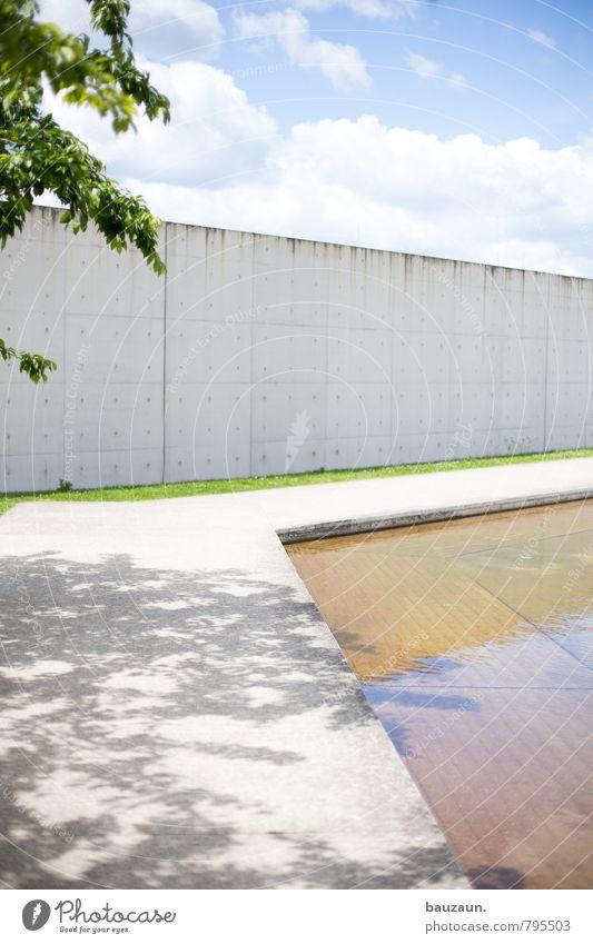 baumschatten. Himmel blau Pflanze schön grün Wasser Sommer Sonne Baum Wolken Ferne Wand Wiese Gras Wege & Pfade Mauer