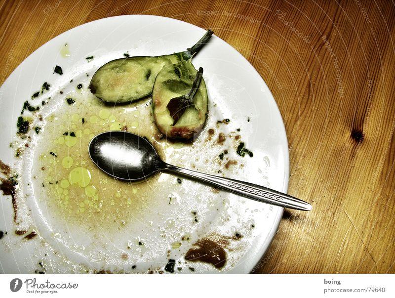 essen was bei Kerners Köche aus der Röhre kommt weiß Zufriedenheit leer Tisch Gastronomie Süßwaren Teller Schokolade Rest Dessert Löffel Öl Feige Fettauge Fett aufgegessen