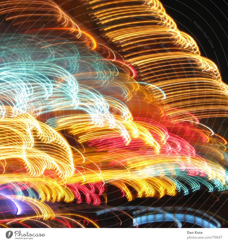 Spaghetti al Carussello Stimmung fest heimelig Alkoholisiert Langzeitbelichtung Licht dunkel Nacht Funzel Feste & Feiern Lampe Dynamik Hacke geschlossen