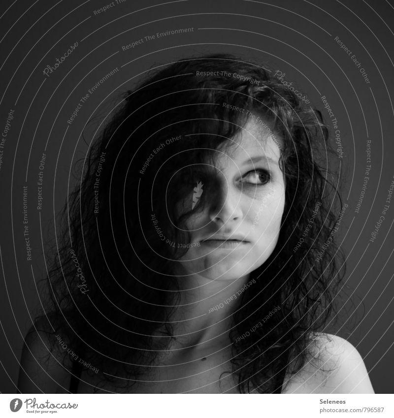 . schön Körper Haare & Frisuren Haut Gesicht Schminke Mensch feminin Frau Erwachsene Auge Nase Mund Lippen 1 18-30 Jahre Jugendliche brünett langhaarig Locken