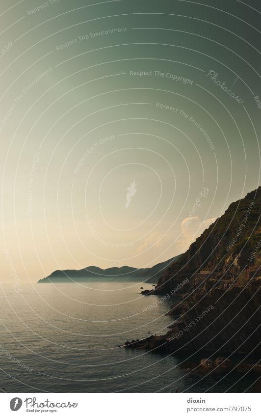 when summer's gone Ferien & Urlaub & Reisen Tourismus Ferne Sommer Sommerurlaub Meer Umwelt Natur Landschaft Wasser Himmel Felsen Küste Mittelmeer Cinque Terre