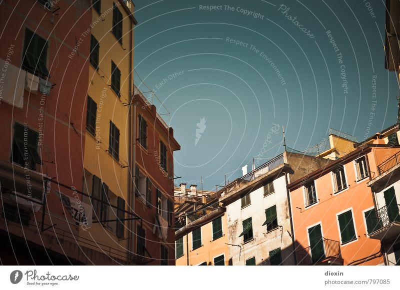 wärmer wohnen Ferien & Urlaub & Reisen Tourismus Städtereise Sommer Sommerurlaub Himmel Wolkenloser Himmel Schönes Wetter Vernazza Italien Ligurien Cinque Terre