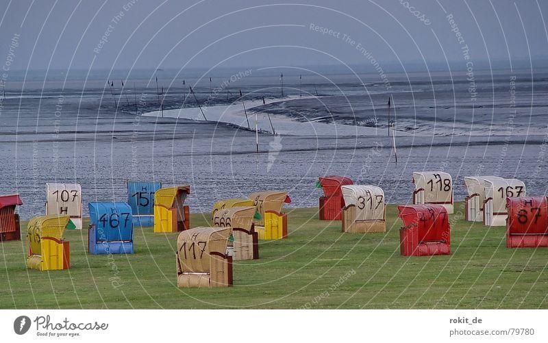 Körbchengröße??? Priel Strand Strandkorb Meer Wiese Ebbe gelb rot grau grün Ferien & Urlaub & Reisen leer Sommer Unterwäsche dünn Korb geflochten Einsamkeit