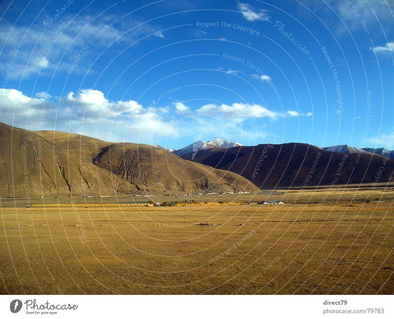 Himalaya Tibet Farbe Berge u. Gebirge Landschaft Asien Gleise China wenige Blauer Himmel Mangel karg Bergkette Bergkamm Kamm Hochebene