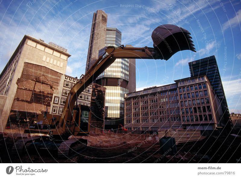 dinosaurier alt Tier Kraft Industrie neu Baustelle Stadtzentrum Demontage Bagger Monster Architekt Schaufel Sanieren Altstadt