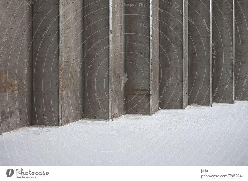zickzack weiß Wand Mauer grau Fassade Treppe trist ästhetisch Beton Bauwerk fest eckig
