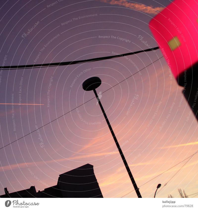 0711 grüßt 030 Architektur Lampe Kabel Laterne Ruine Abenddämmerung Leitung Insolvenz Deutsche Telekom