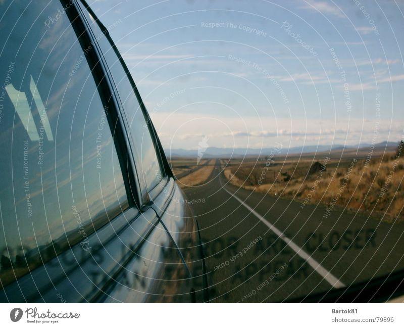 Jenseits von Idaho Spiegel Autobahn Amerika USA Berge u. Gebirge Straße