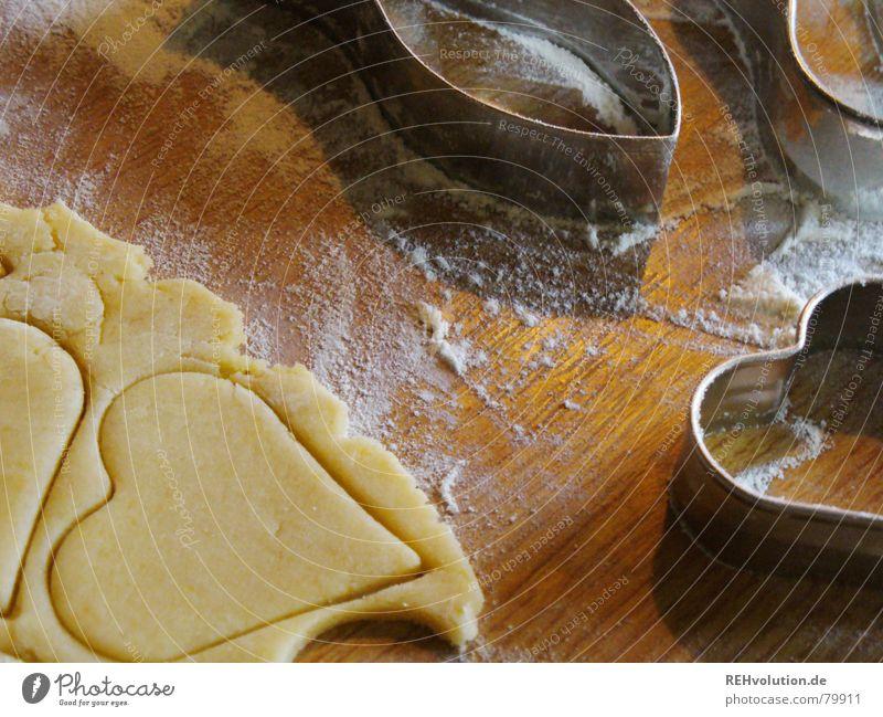 Weihnachtsbäckerei 2 Plätzchen Teigwaren Mehl lecker Backwaren Holz Weihnachten & Advent Kuchen Winter Herz fest der liebe Ausstechform backen