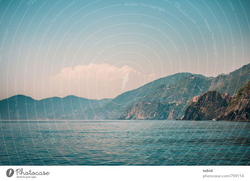 Cinque terre / Italien Himmel Ferien & Urlaub & Reisen blau schön Wasser Sommer Meer Landschaft Wolken Ferne Küste braun Idylle Wellen Tourismus Schönes Wetter