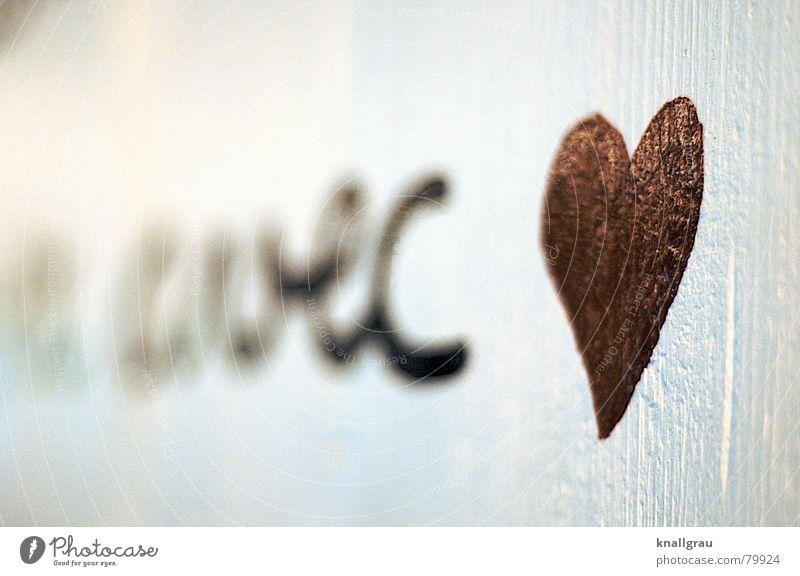 Mit Herz Farbe rot Graffiti Wärme Wand Liebe Mauer träumen Ordnung Herz Beton Warmherzigkeit Freundlichkeit Romantik Information Konzentration