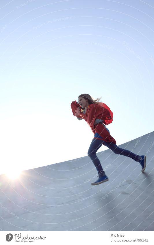supergirl VII feminin Mädchen Schönes Wetter Gebäude langhaarig rot Freude Glück Fröhlichkeit Zufriedenheit Lebensfreude Wolkenloser Himmel Bauwerk Umhang