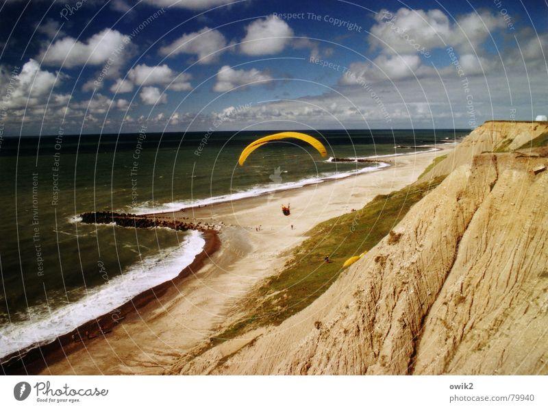 Aufwind Mensch Himmel Natur Ferien & Urlaub & Reisen Wasser Meer Wolken Freude Ferne Strand Umwelt Küste Sport Spielen Freiheit fliegen
