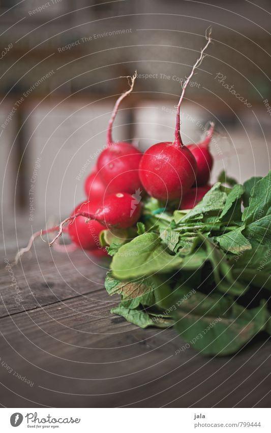 radieschen Gesunde Ernährung natürlich Gesundheit Lebensmittel frisch Scharfer Geschmack Gemüse lecker Bioprodukte Vegetarische Ernährung Holztisch Radieschen